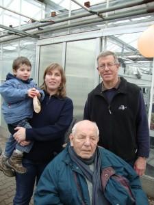 4 Generationen auf einem Bild! Günter Bruchmüller, Sohn Herbert Bruchmüller und Tochter Marianne Wilz mit Sohn Alexander